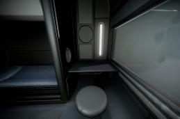 futuristic-living-module-10